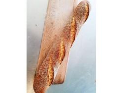 Desem Tarwe Stokbrood met zaden decoratie